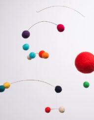 movil-bolas-rojo-01